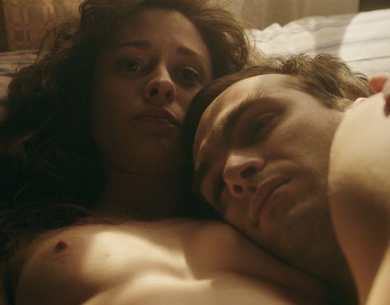 8a1877989 Más de Elena Rivera desnuda en la serie Cúentame