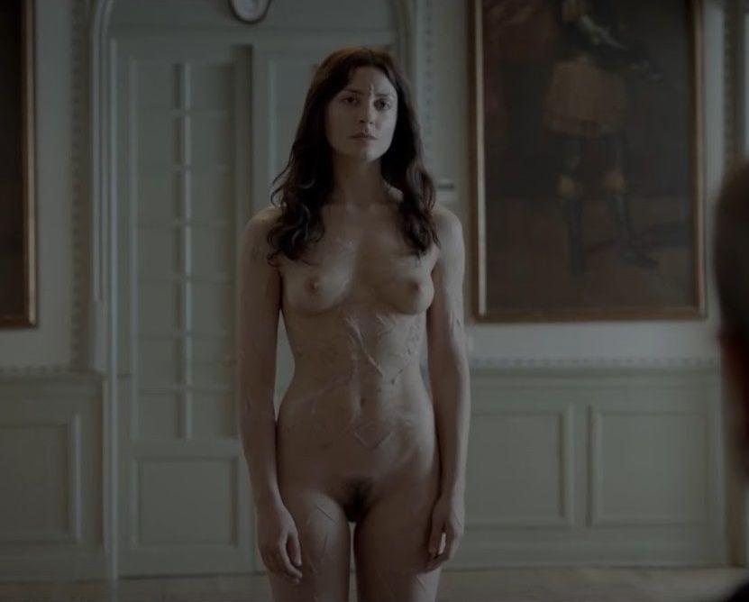 Bárbara Lennie Desnuda En La Película Magical Girl