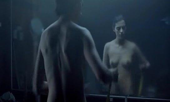 Macarena Gómez Desnuda En El Corto Contracuerpo