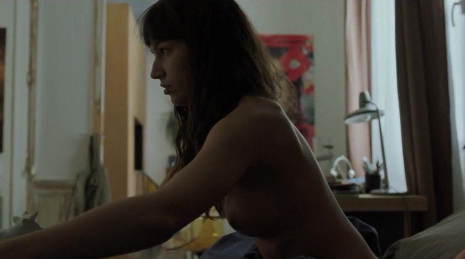 úrsula Corberó Desnuda En La Película El árbol De La Sangre