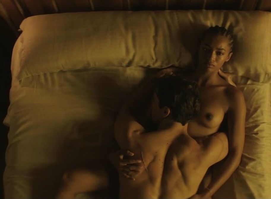 Berta Vázquez Desnuda En La Película Palmeras En La Nieve