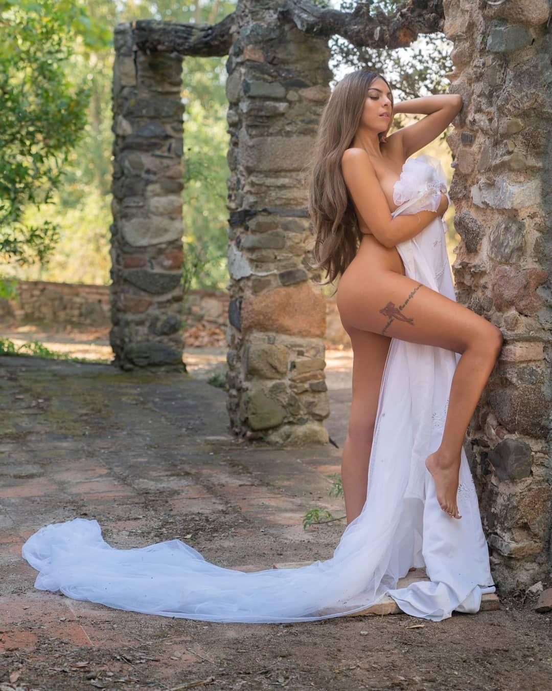 Ana Anginas de MYHYV desnuda