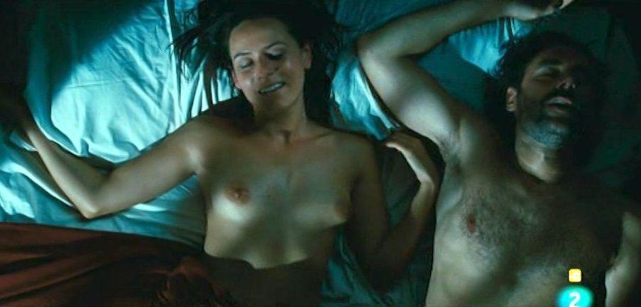 Itziar Ituño desnuda en El cazador de dragones