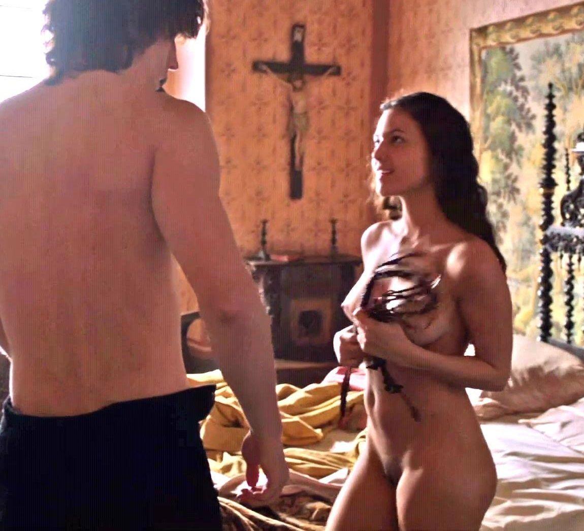 Andrea Duro Descuido elisa mouliaá desnuda en la serie borgia |